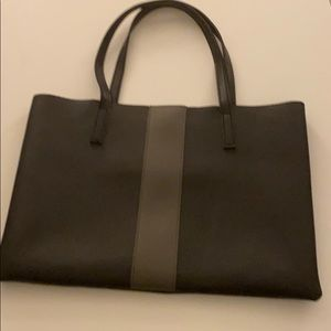 NWOT Vince Camuto Two Toned Tote Perfect!!